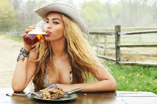 beyonce, TX, texas, drinking beer, travel, culture