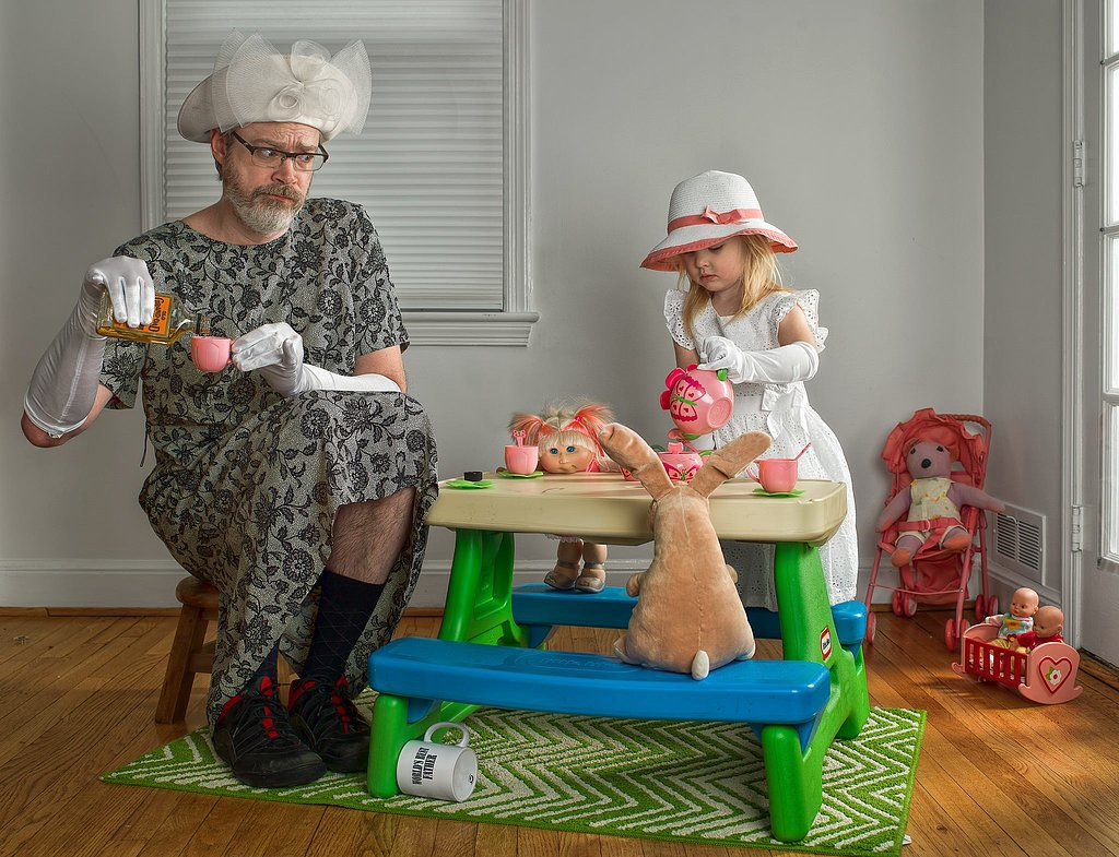 dad having tea with little girl, dad, daughter, tea time