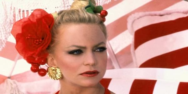 Overboard, girl, goldie, Goldie Hawn, blond, red, beach, glamour, celebs, movies/tv