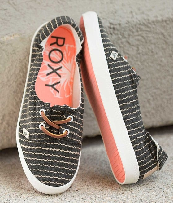 Roxy, Roxy women's kayak flat, Pontoon Shoes, Best shoes to wear while Pontooning, Boat Shoes, women's boating shoes, fashion