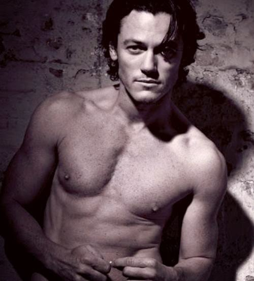 Luke Evans photos that'll basically make you pregnant, sexy Luke Evans pictures, hot photos of Luke Evans, hot pics of Luke Evans, celebs, movies/tv
