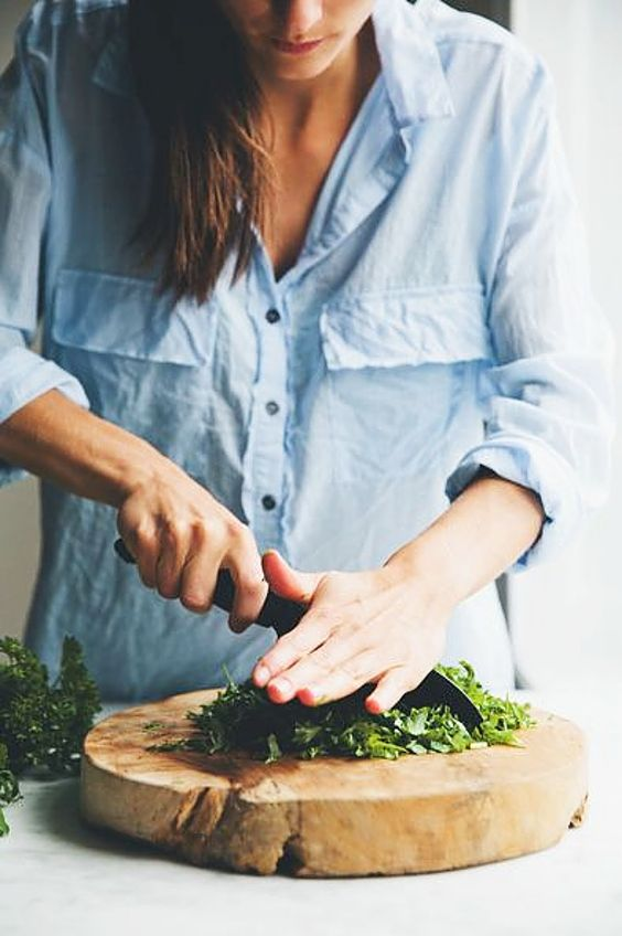 woman, chopping, how to