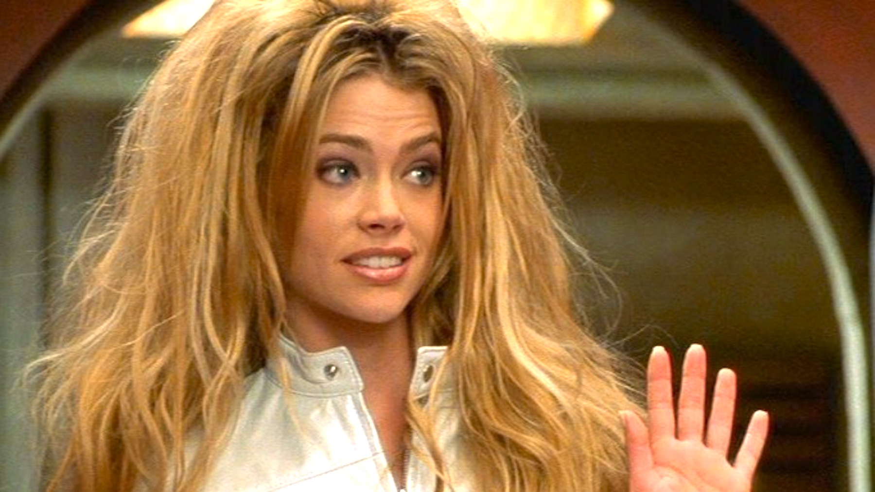 juju, denise richards, celebs, funny face, funny, hair, weird, blond, blonde, idk, confused, shocked, gross, no, bad, good