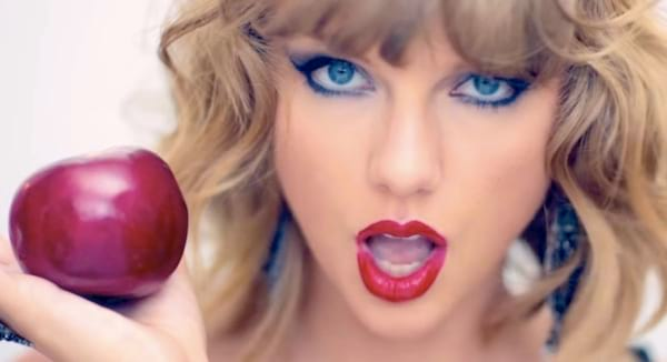 taylor, swift, Taylor Swift, blond, Apple, food, eat, eating, culinary, shock, quiz, iq, smart, juju, Music, celebs, South, Southern