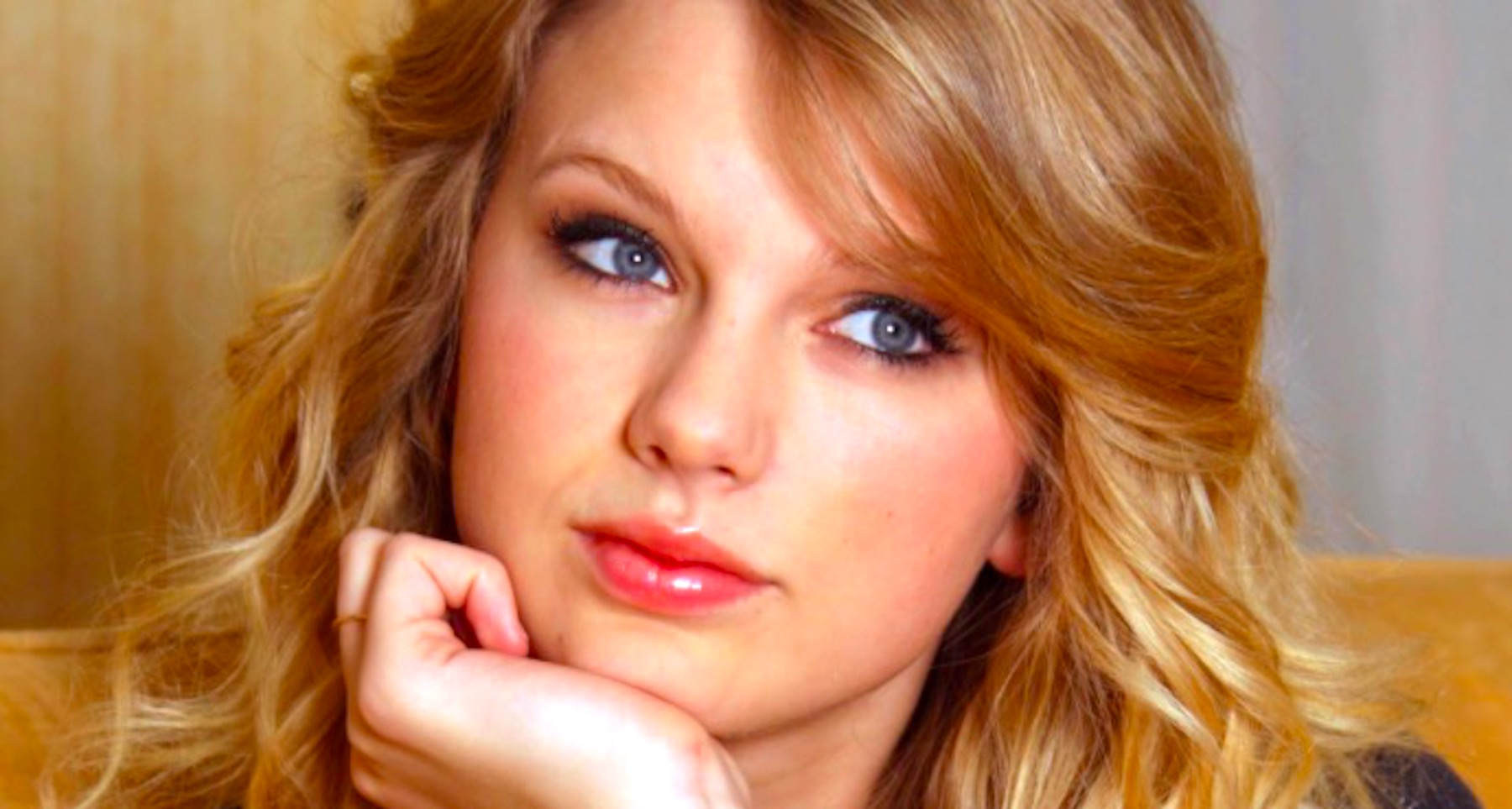 Taylor Swift, country, taylor, blond, girl, think, thinking, smart, celebs, Music, South, Southern, bad, good, iq, confused