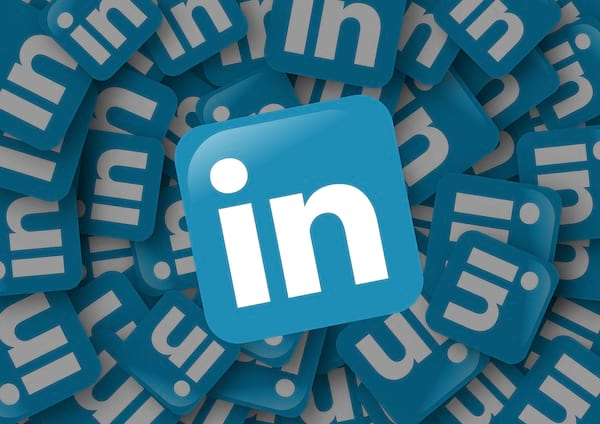 canpeopleseewhenyouviewtheirlinkedinprofileheroimage, career, how to, science & tech, culture