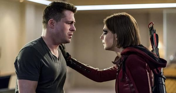 Thea from Arrow touches Roy's shoulder., pop culture, movies/tv, wdc-slideshow