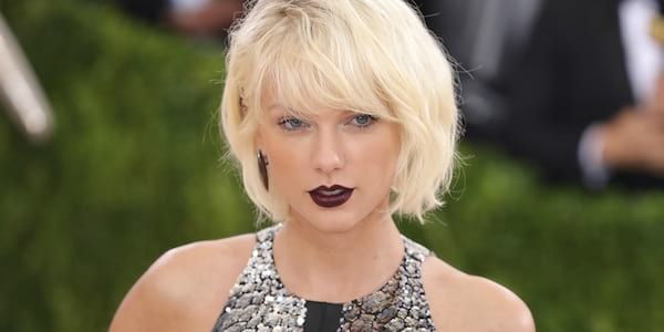 Taylor Swift with a silver top and short hair., celebs, Music, science & tech, wdc-slideshow