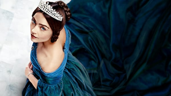 27 shows like the crown, wdc-slideshow, tv, pop culture