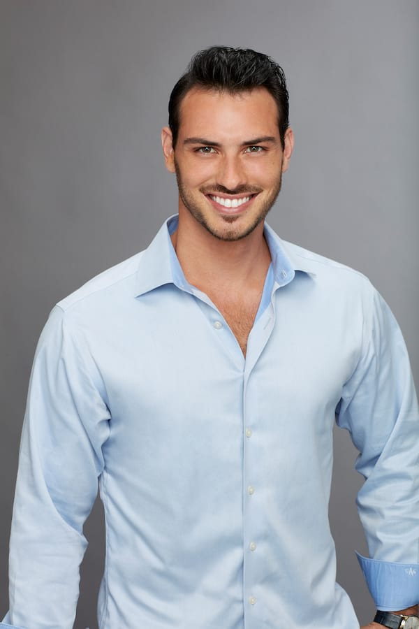 chase, elimination, kicked off, becca kufrin, bios 2018, season 14 contestant, who went home on the bachelorette last night, tonight