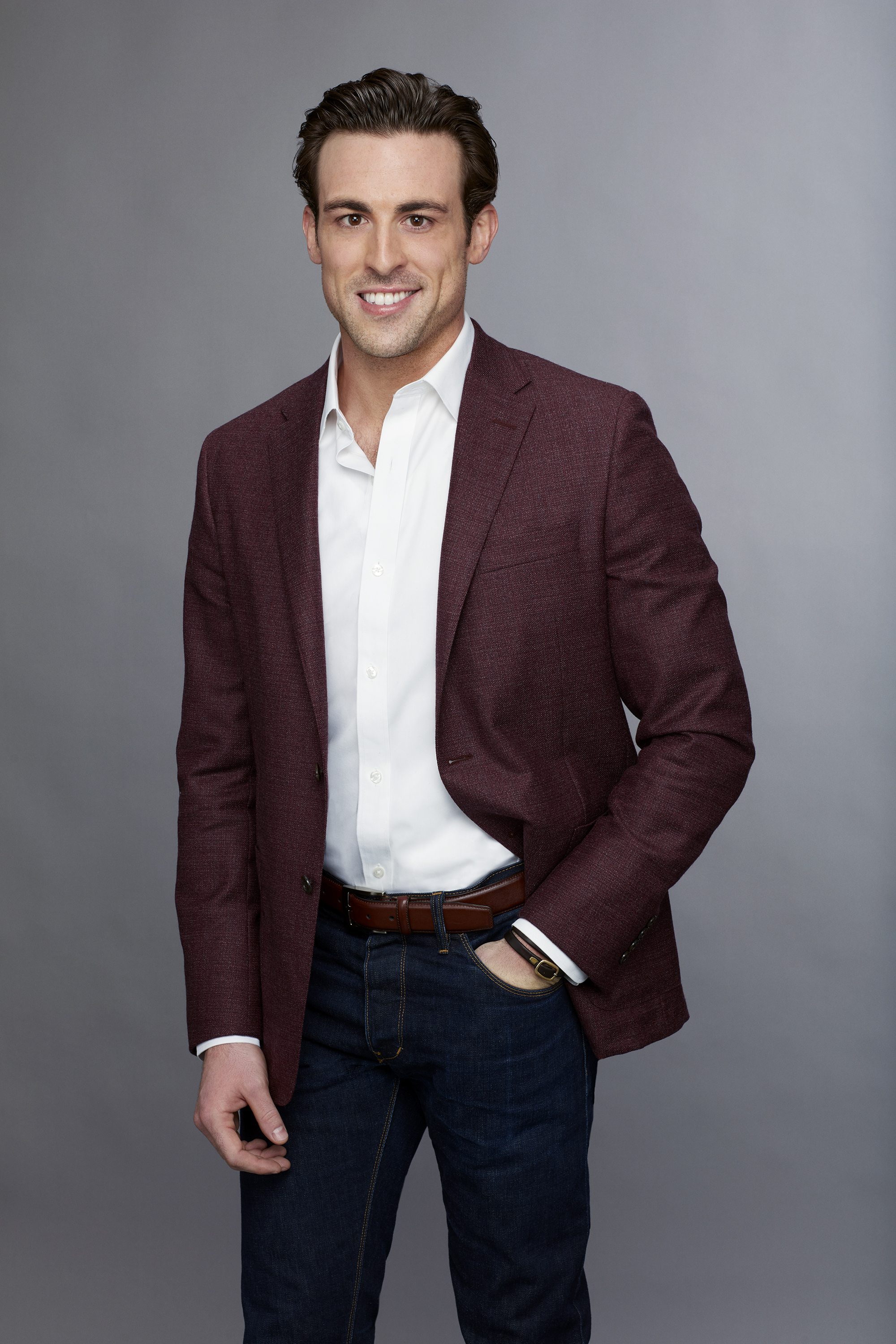 Jake, kicked off, becca kufrin, bios 2018, season 14 contestant, who went home on the bachelorette last night, tonight