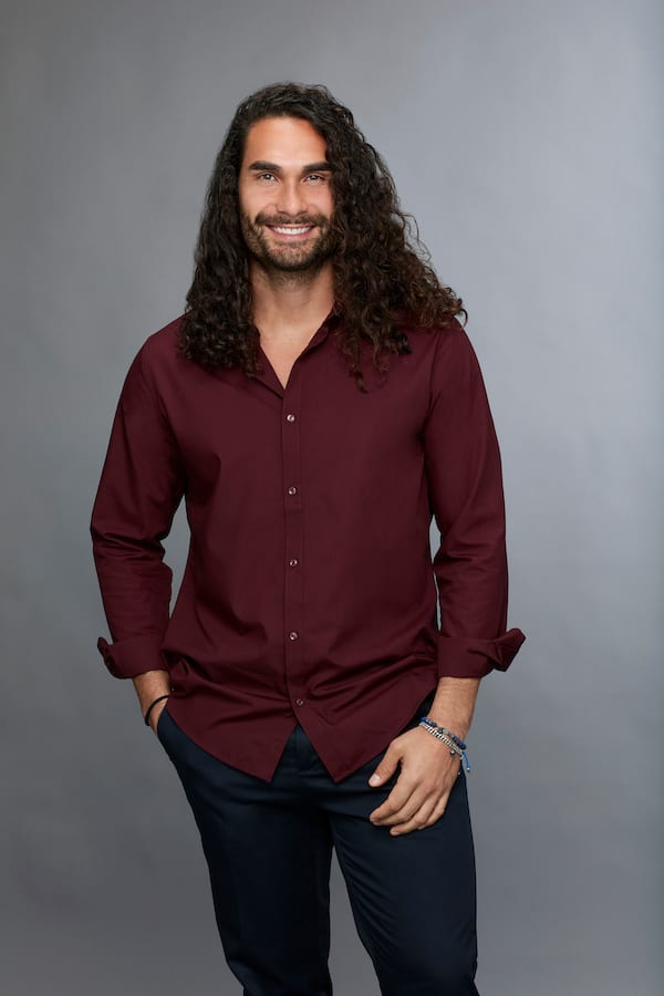 leo, kicked off, becca kufrin, bios 2018, season 14 contestant, who went home on the bachelorette last night, tonight