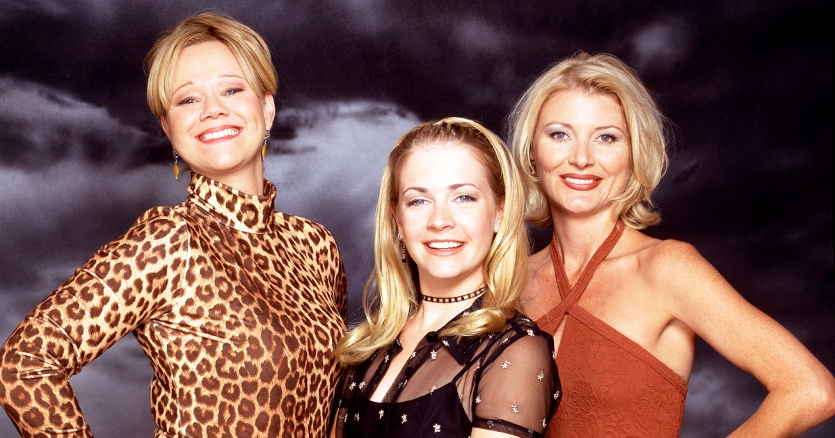 The cast of Sabrina the Teenage Witch, tv, pop culture