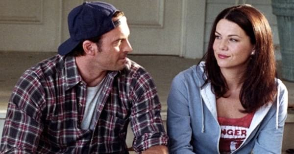 Luke and Lorelai sitting on her front porch and talking