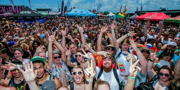 The crowd at Warped Tour., science & tech, Music