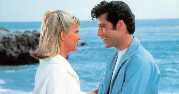 Sandy and Danny on the beach in the beginning of Grease