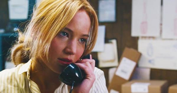 jennifer lawrence, joy, east coast, New Jersey, hero, Jlaw, jennifer lawrence on the phone, phone call, talking, phone, liz