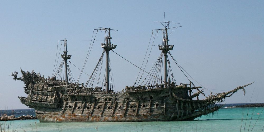 The Flying Dutchman and Davy Jones - Pirates of the Caribbean, movies