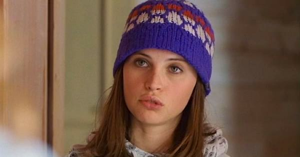 Chalet girl, felicity jones, snowboarding, Oregon, washington, Pacific Northwest, PNW, Northwest, liz, snow, cold, hero, beanie, thinking, brunette, confused, snowboard, sporty