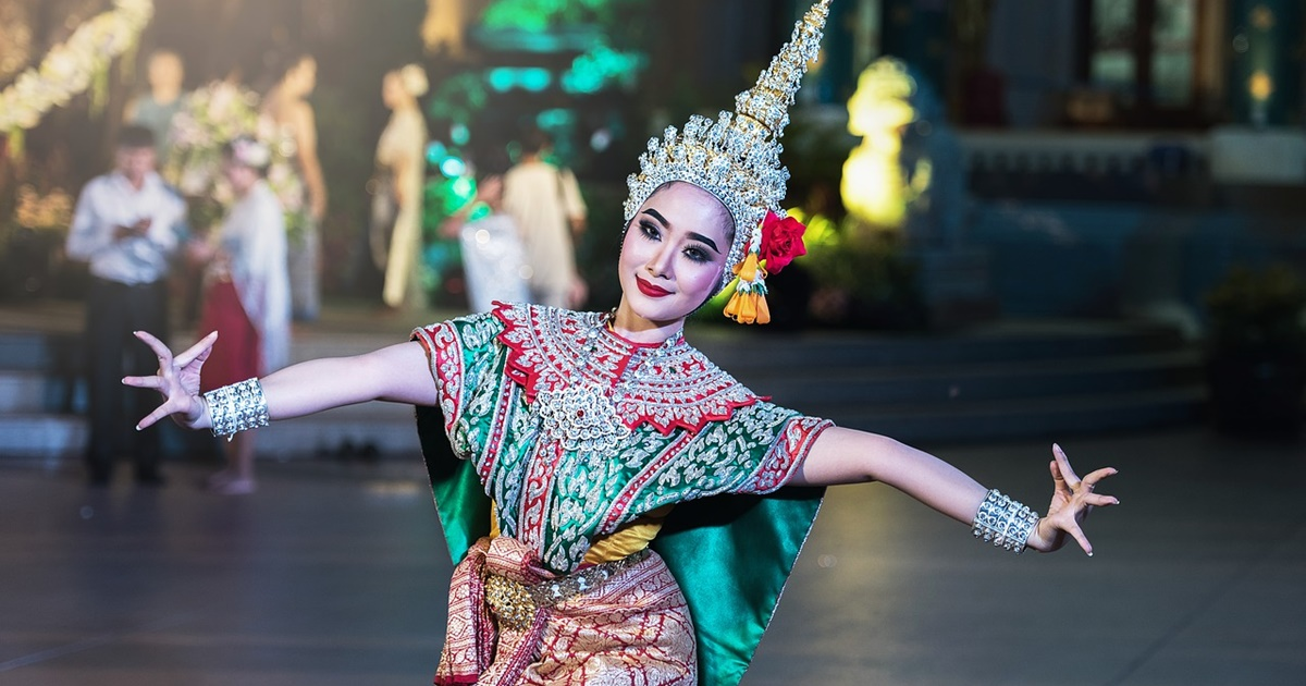 A woman dancing in Bangkok., science & tech, travel
