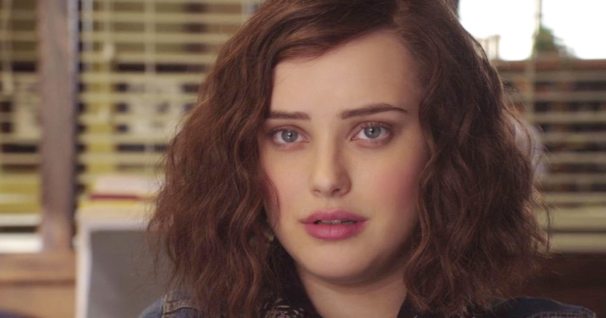 Hannah Baker talking to her counselor in Netflix's '13 Reasons Why'