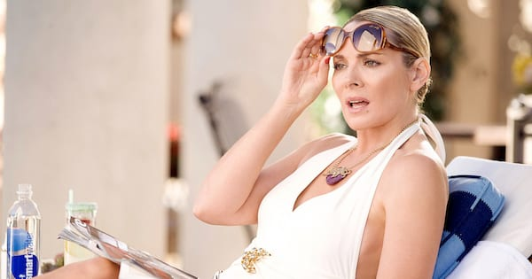 Samantha lounging by the pool in the Sex and the City movie