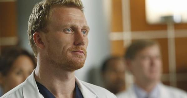 grey's anatomy, abc, entertainment, tv, owen hunt on greys anatomy looking in a distance, greys anatomy season 15 spoilers