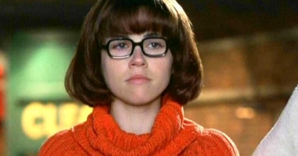Linda Cardellini as Velma Dinkley in the 2002 live-action Scooby-Doo movie
