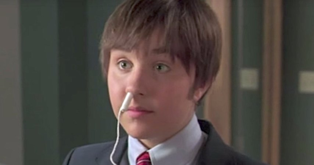Amanda Bynes in She's the Man with a tampon in her nose