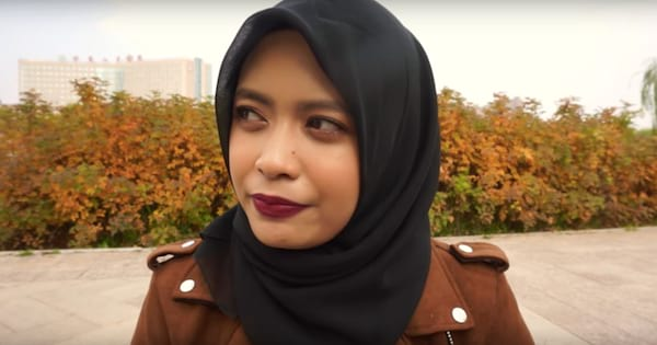 Syifa Adriana discussing her struggles with anxiety in a YouTube video