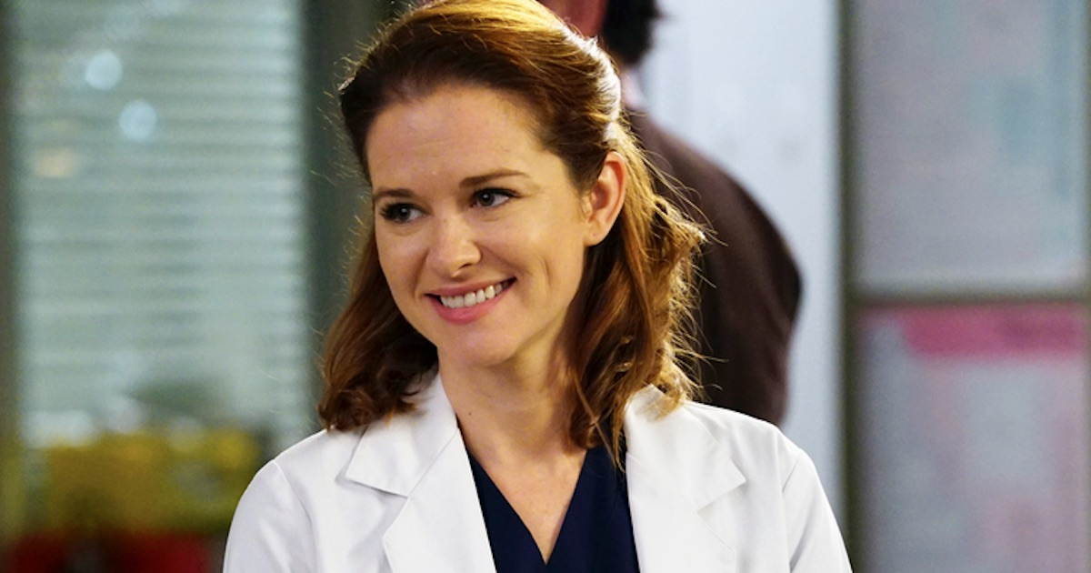 April Kepner smiling Grey's Anatomy, most hated grey's anatomy characters ranked