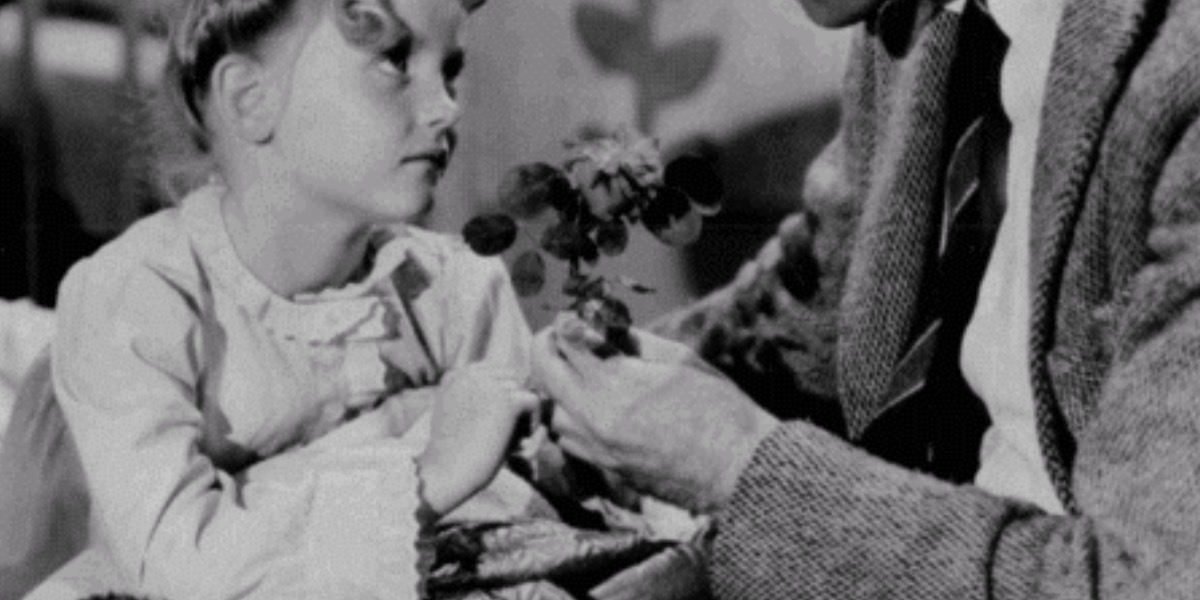 zuzu's petals from it's a wonderful life, memorable movie objects