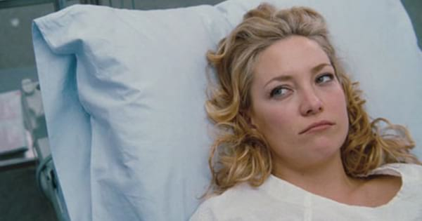 Kate Hudson at the doctor's office in A Little Bit of Heaven