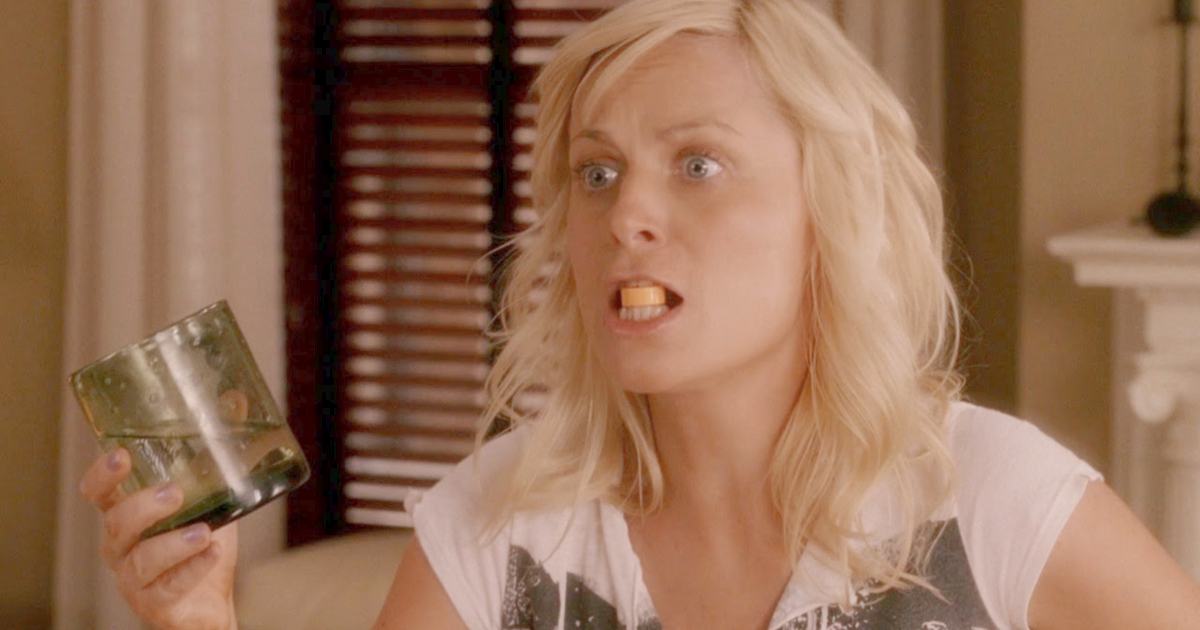 Amy Poehler taking a prenatal vitamin in Baby Mama