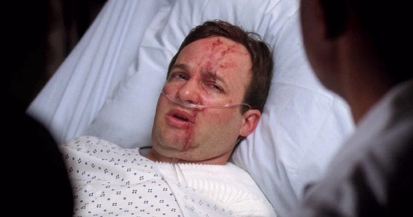patient on Grey's Anatomy attacked by lion blood all over face in hospital bed