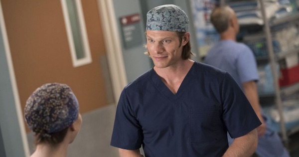 Chris Carmack talking to Amelia Shepherd, Grey's Anatomy season 15
