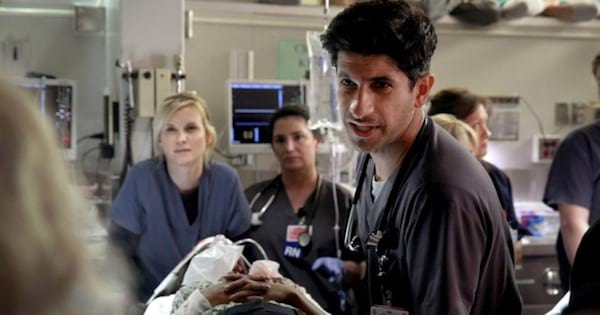 doctors and a patient in an operating room, best medical shows ranking tv