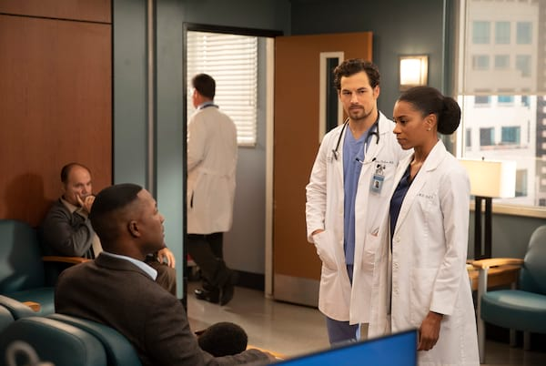 DeLuca and Maggie talking to patient, Grey's Anatomy season 15