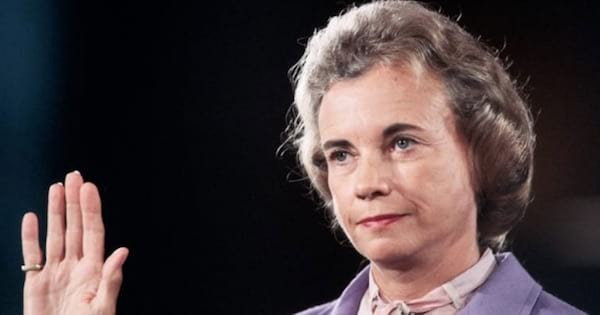 Justice Sandra Day O'Connor Hand up, ranking
