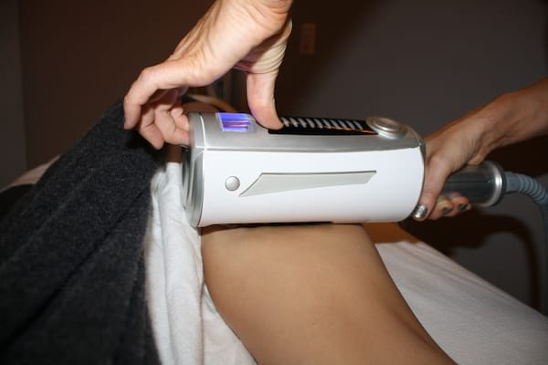 Woman getting Endosphères Therapy done