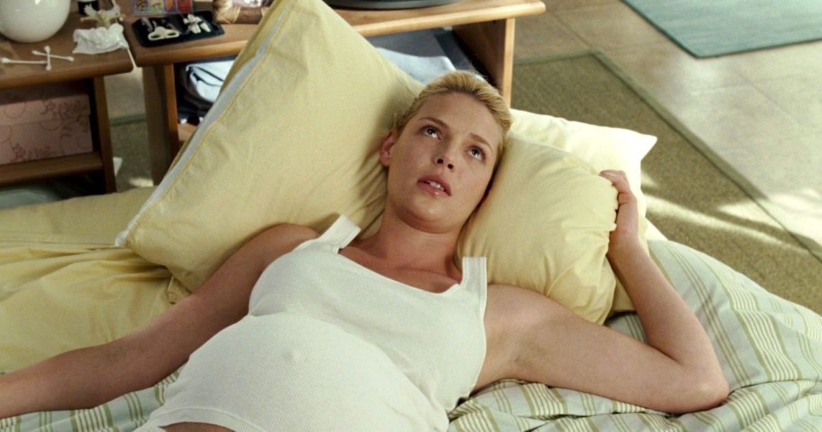 Katherine Heigl laying down while pregnant in Knocked Up