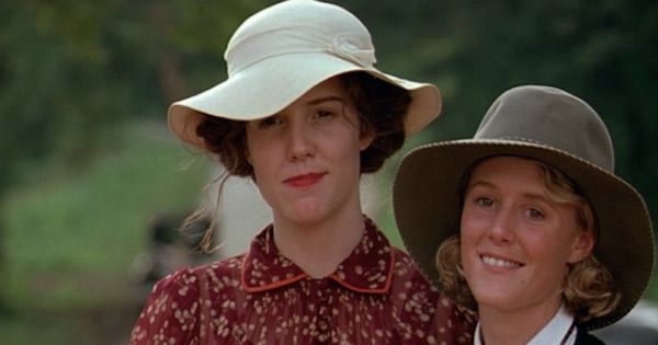 two women wearing hats in fried green tomatoes, southern movies