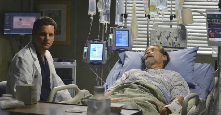 alex karev at hospital bed with his sick father jimmy evans on grey's anatomy