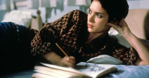 Interrupted, Winona Ryder drawing in her journal during a scene from Girl