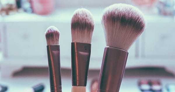 best cleansers for makeup brushes, 2019