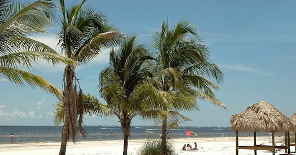 beach of fort myers florida, retire