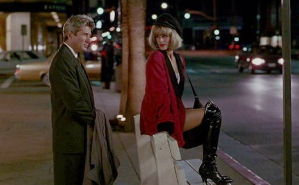 Julia Roberts and Richard Gere meeting at a bus stop in Pretty Woman