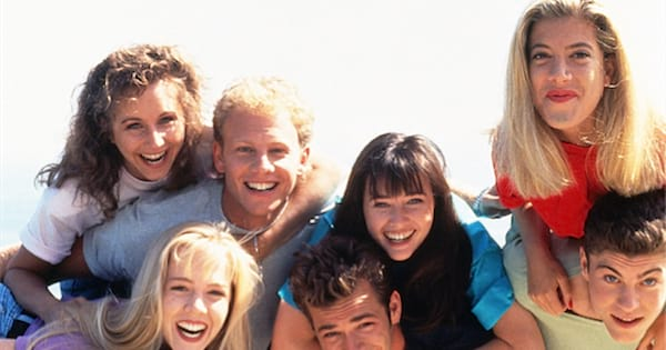 90210 characters smiling laughing