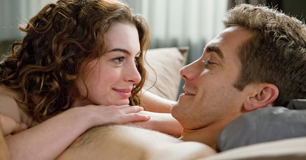 Anne Hathaway and Jake Gyllenhaal in bed together in Love & Other Drugs