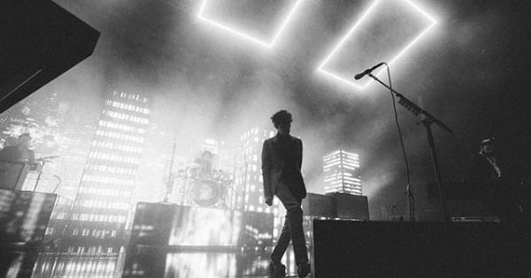 the 1975 black and white on stage